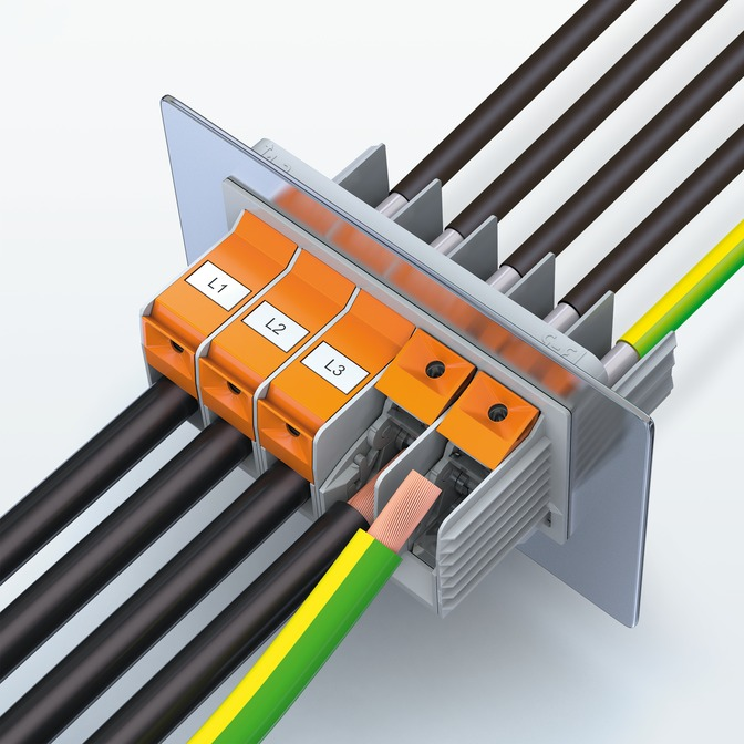 High-current feed-through terminal block with new T-LOX connection technology