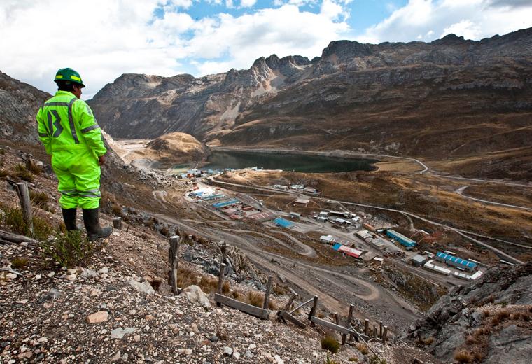 Ellis digs deep for first Peruvian success
