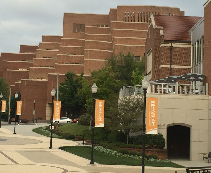 University of Tennessee Upgrades Outdoor Wireless, Security Networks with CommScope Powered Fiber Cable System