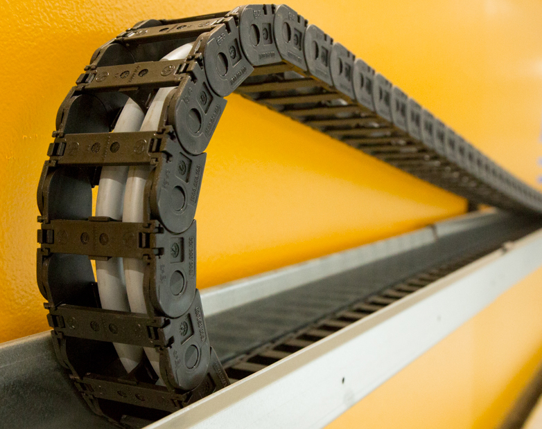 How to improve cable management for industrial cranes and gantries