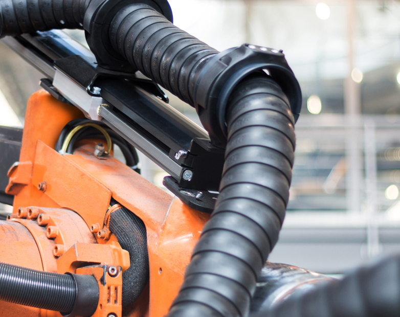Video of the Week – How to manage cables on robotic systems more reliably