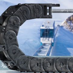 igus ice-chain keeps equipment moving in freezing temperatures