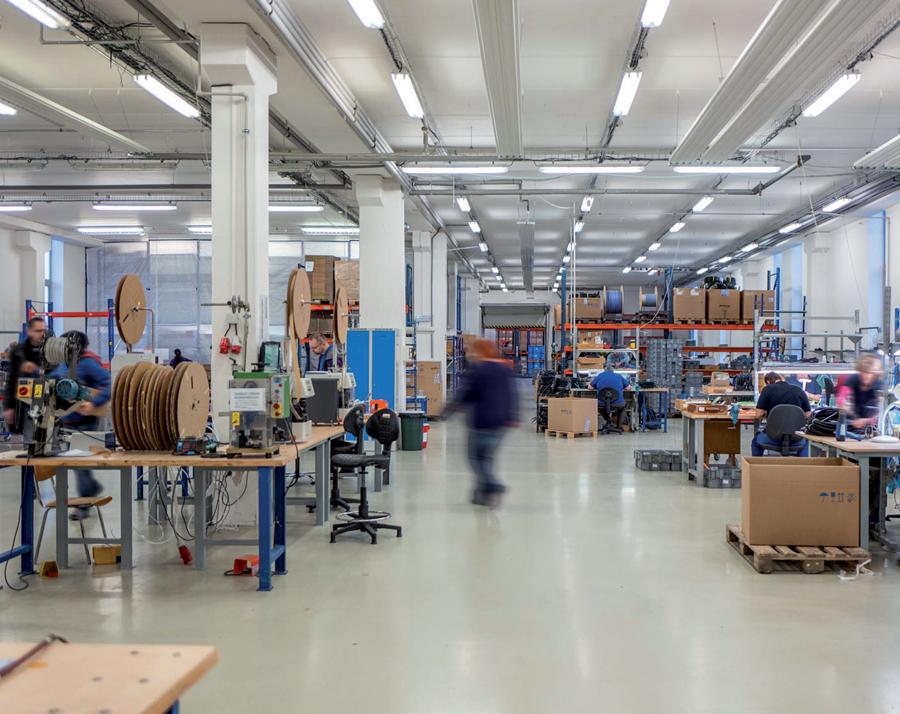 LÜTZE expands Connectivity business