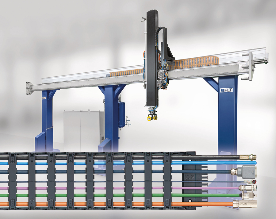 Safety at high speed with the igus e-chain system in a linear motor robot