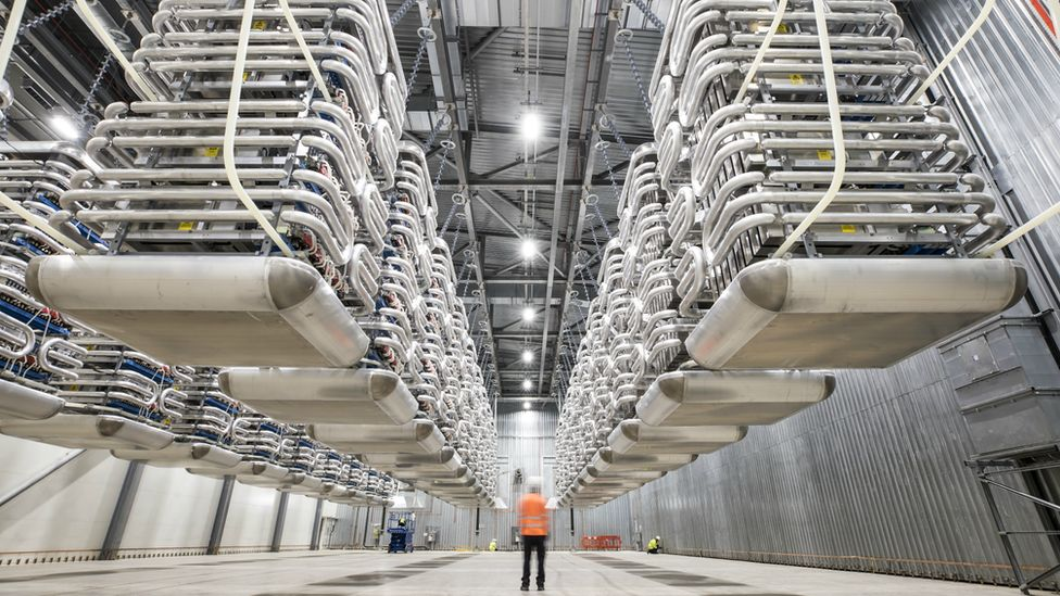 UK's second electricity link to France starts flowing at full capacity