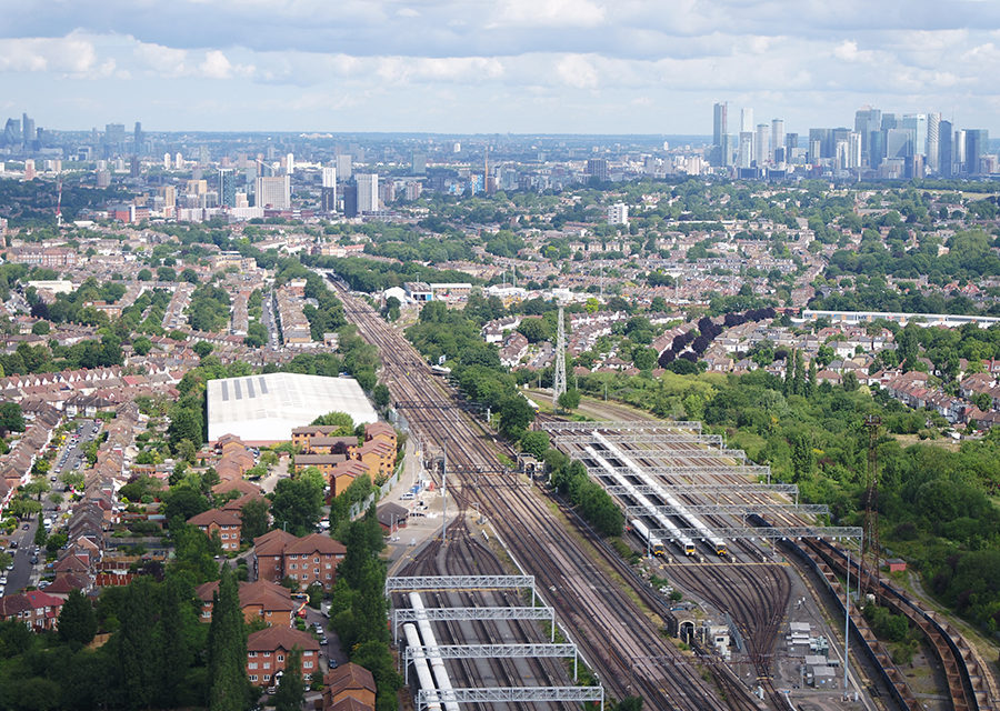 Network Rail invites £1bn private sector investment